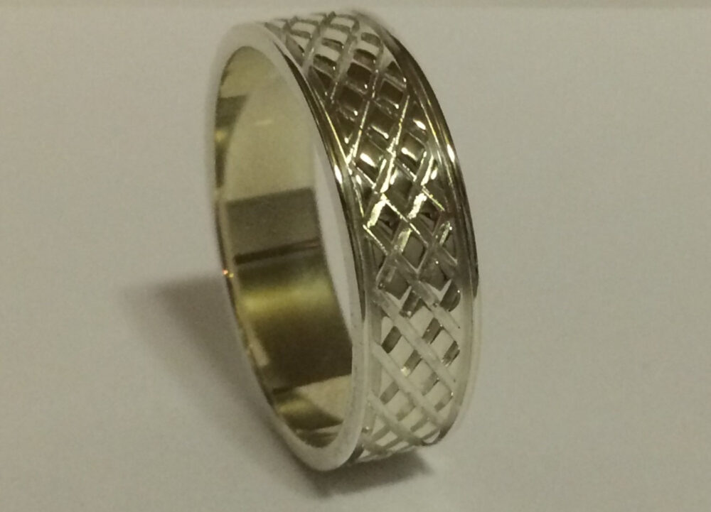 18Kt Gold 6Mm Mens Wedding Band, Ring Unique Design Grooves, Diamond Design, 6 Mm Mans White & Yellow
