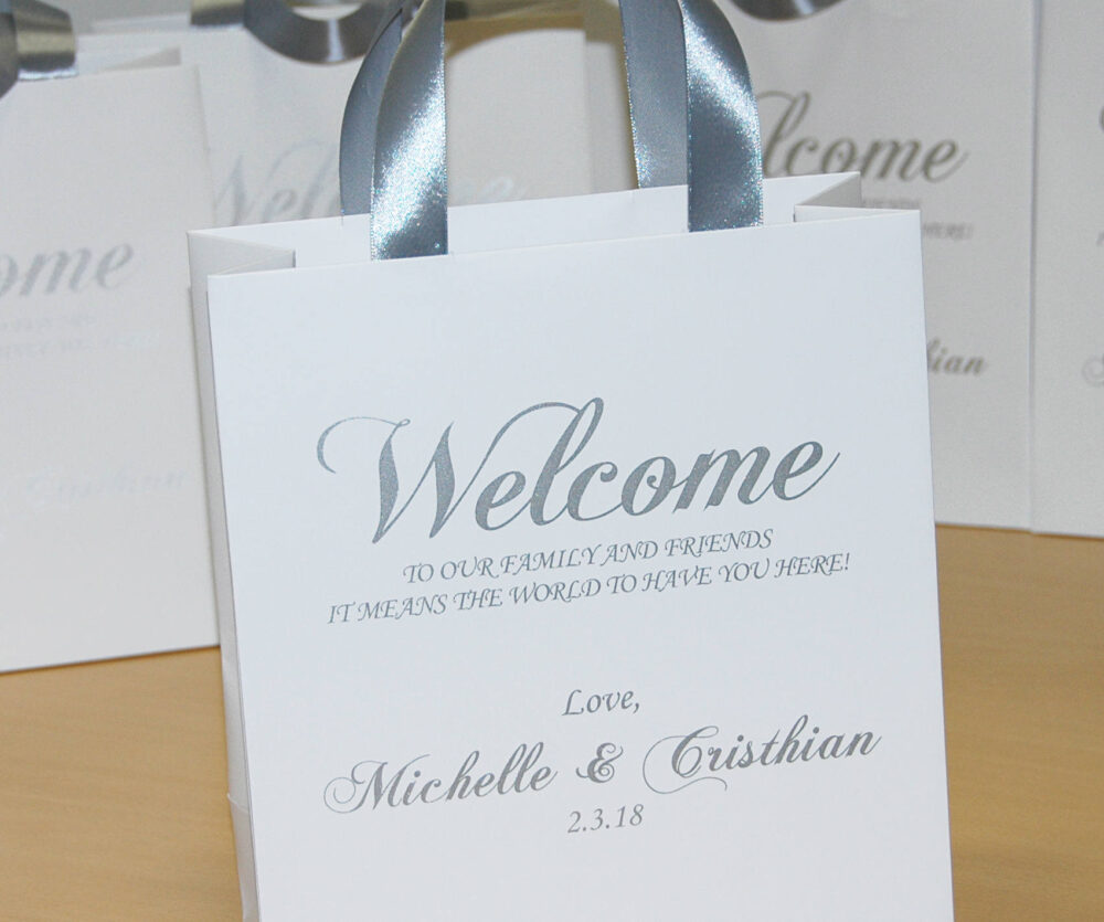 30 Wedding Favor Bags For Guests With Silver Satin Ribbon Handles, Elegant Personalized Gifts & Favors Welcome To Our Family & Friends