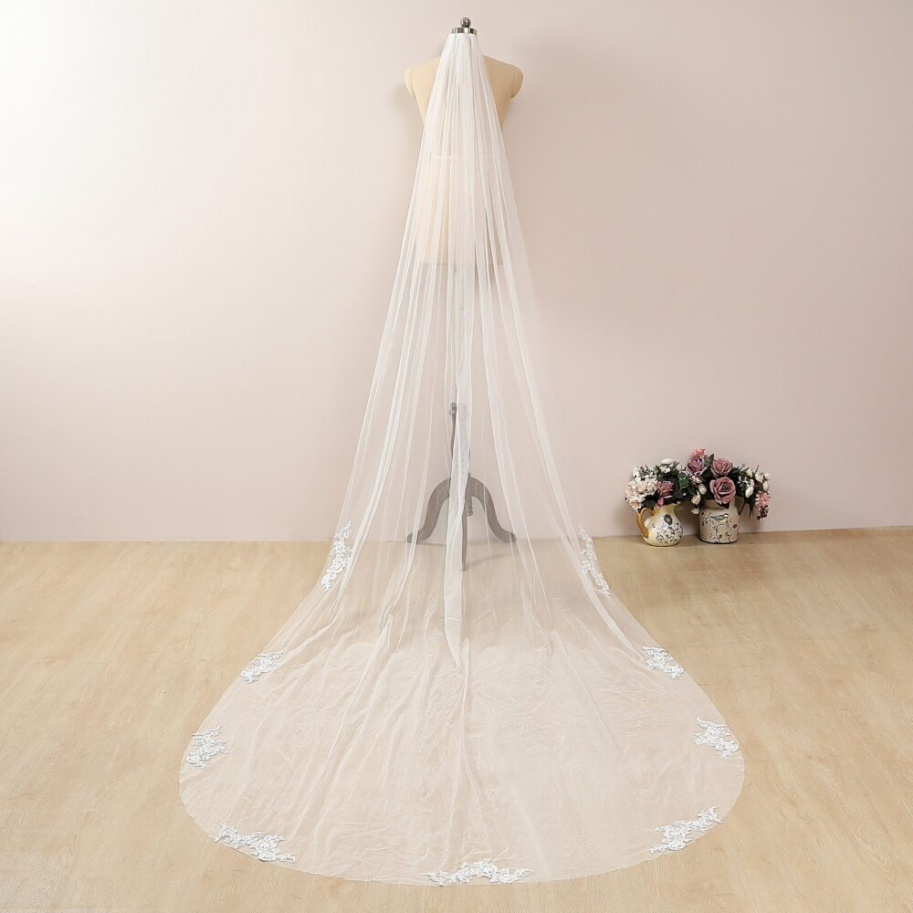 1 Tier Partial Lace Wedding Veil White/Ivory Scattered Chapel Bridal Cathedral With Fingertip