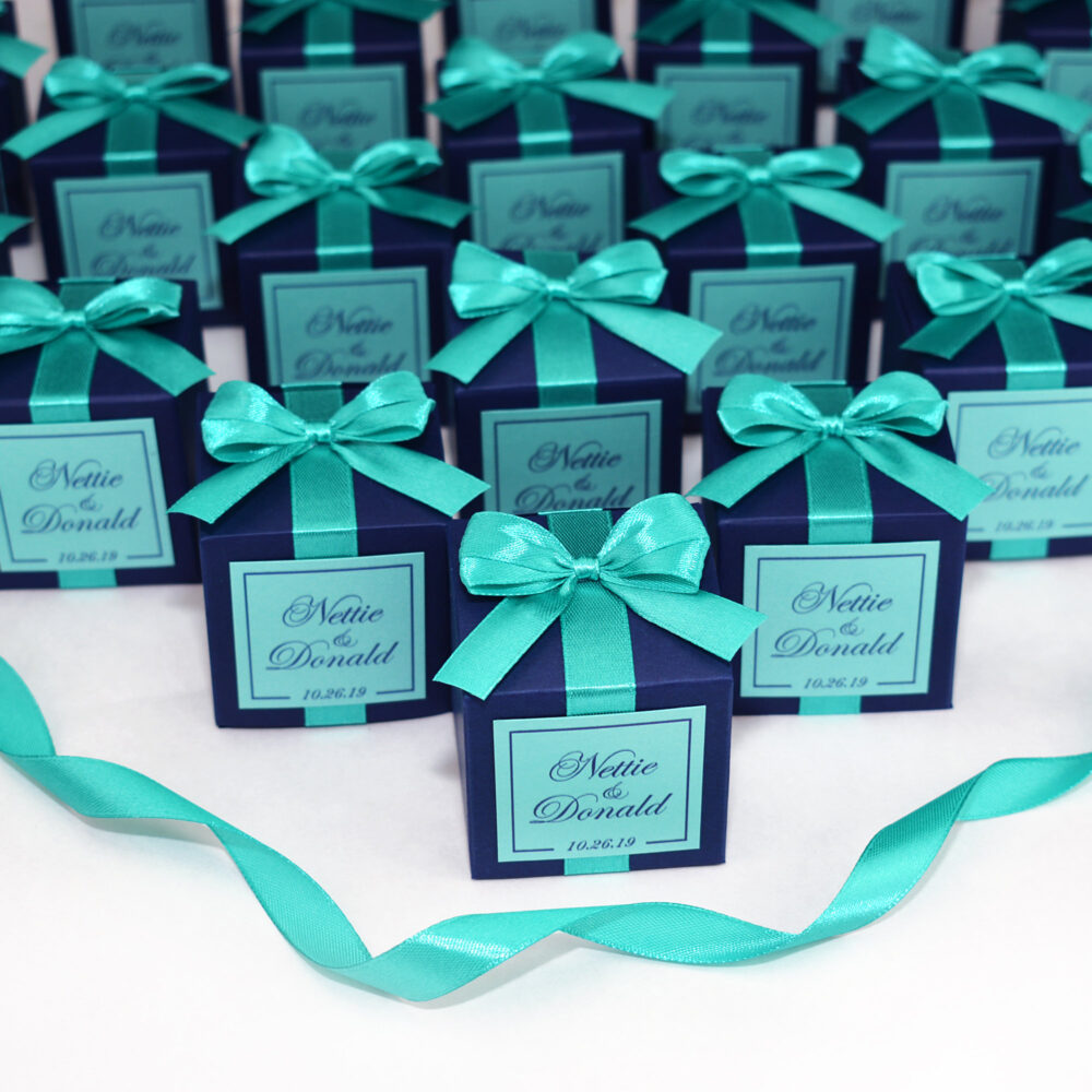 Navy Blue Wedding Favor Boxes For Guests. Elegant Wedding Bonbonniere. Personalized Candy Box With Mint Satin Ribbon, Bow & Custom Tag