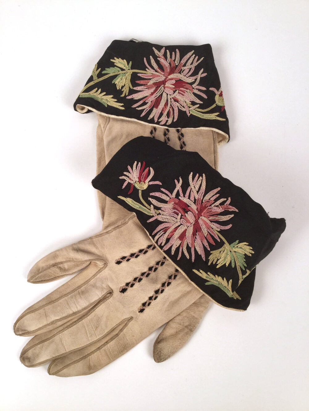 Vintage 20S Womens Embroidered Floral Leather Gloves, 1920S Chamois Flapper Accessories