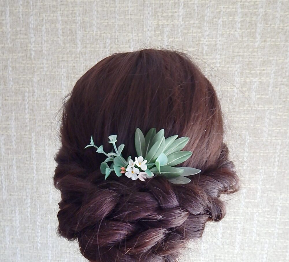 White & Green Floral Hair Comb Greenery Piece Bridal Flower Hairpiece Eucalyptus Wedding Headpiece Olive Leaves Head