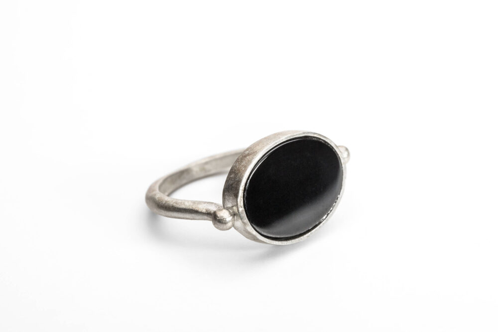 Signet Ring, Women Ring, Men , Onyx Ring. Silver Black Oval Ring