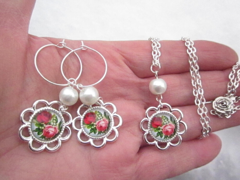 Gift For Her Mother Day, Birthday Romantic Flower Link Cabochon W. Glass Fx Pearl Bracelet, Necklace & Earrings Set