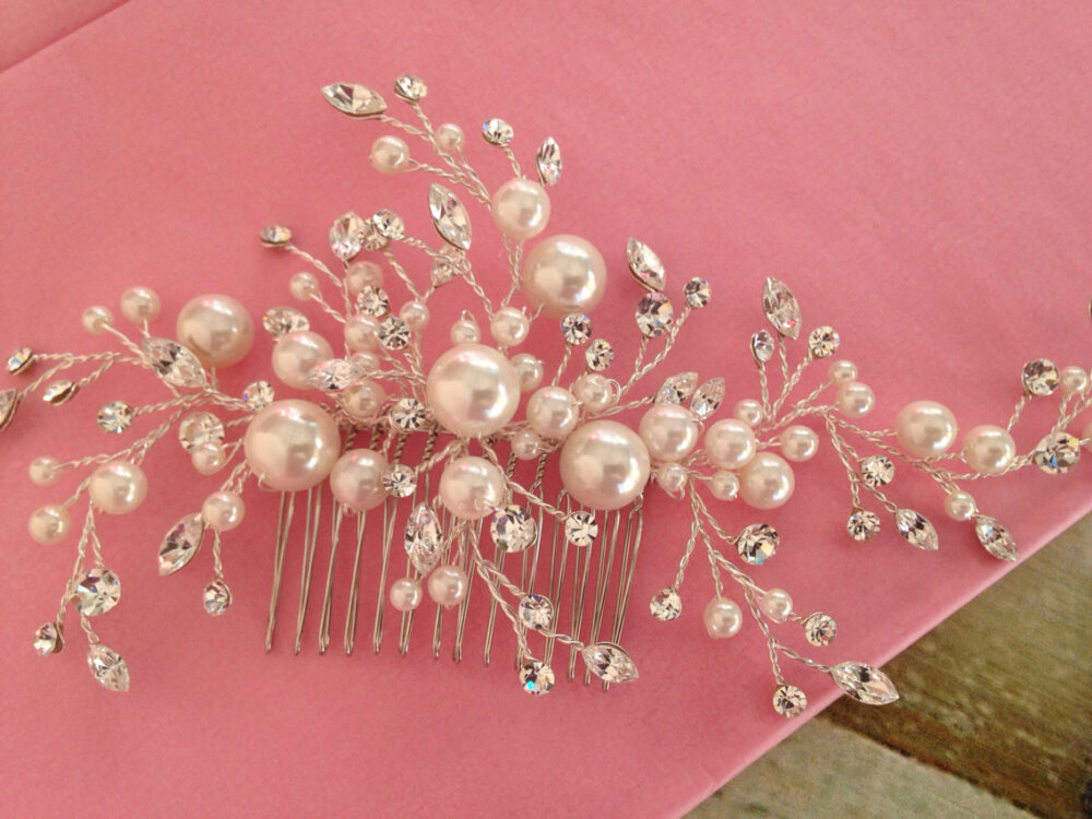 Bridal Hair Comb With Off White Crystal Pearls Wedding Hair Comb, Wedding Accesories, Pearl Comb, Comb, Bridal Head Pieces