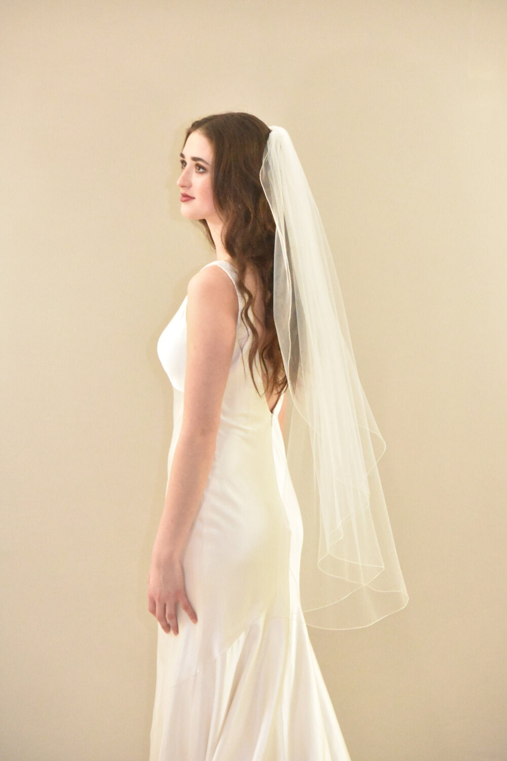 Classic Cut Sheer Fingertip Veil | Pencil Edge Length Mid Wedding Simple