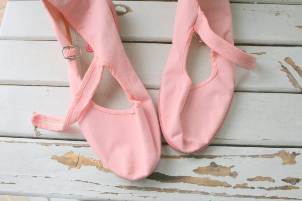 1990S Pink Ballet Flats..size 9 Womens...retro. Wedges. Boho Wedding. Flats. Fabric Shoes. Indie. Twiggy. Bride. Urban. Canvas Buckle