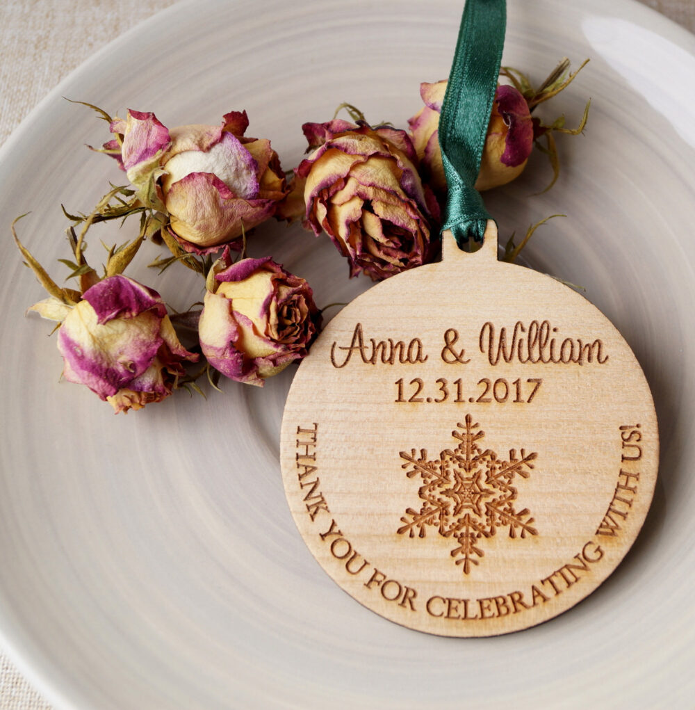 Wedding Ornaments, Wooden Wedding Favors, Personalized Winter Set Of 25 Pc