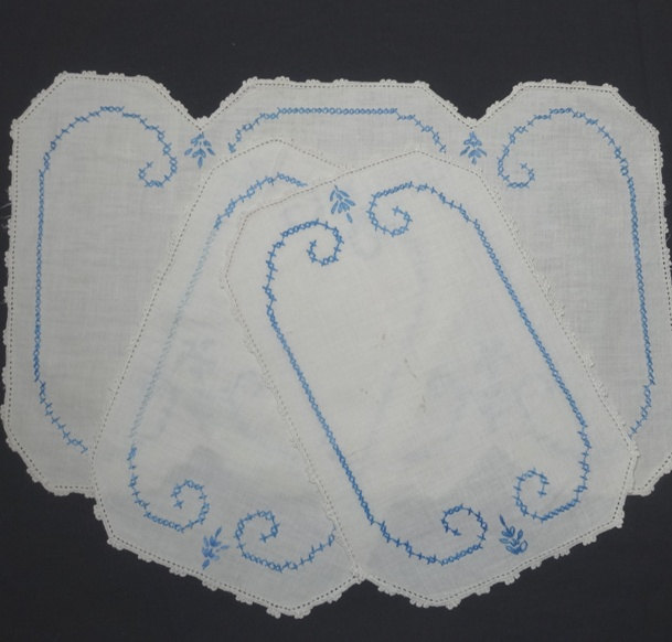 1950S Vintage 3 Piece Linen Dresser Set Or Doilies in White With Blue Hand Embroidery & Crocheted Lace Trim Picots, Cross Stitch