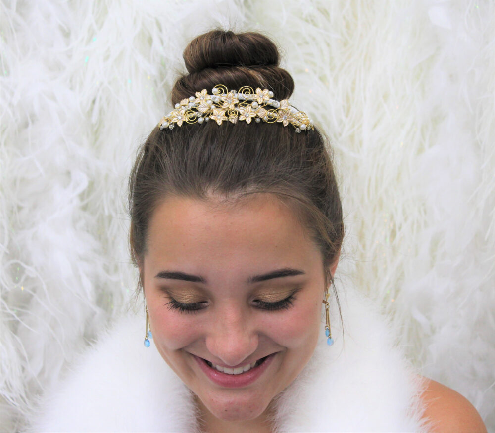 Vintage Gold Bridal Floral Hair Comb with Gorgeous Pearl, Rhinestone & Bead Detailing Wedding, Prom, Sweet 16, Quinceanera, Princess, Queen