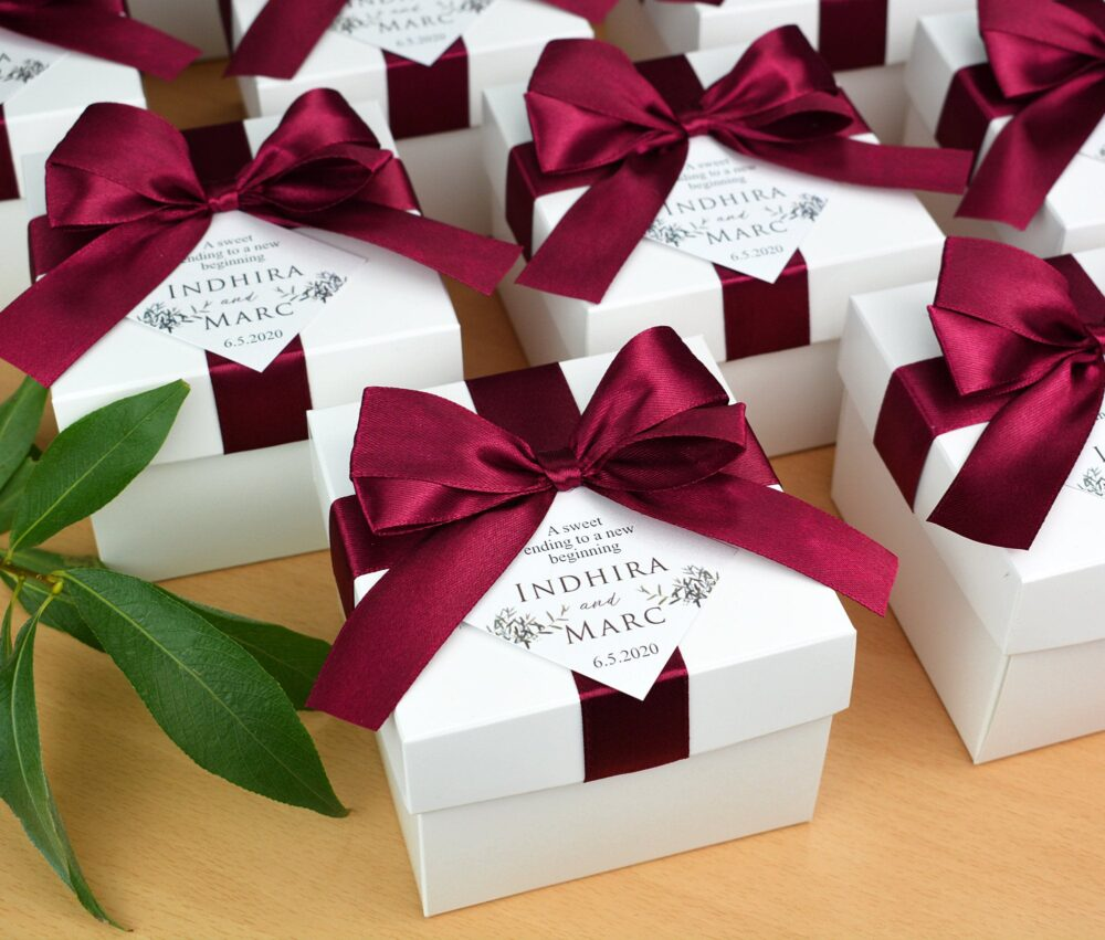 Elegant Wedding Favor Box With Wine Burgundy Satin Ribbon Bow & Custom Tag, Personalized Boxes For Party Gifts & Favors Guests