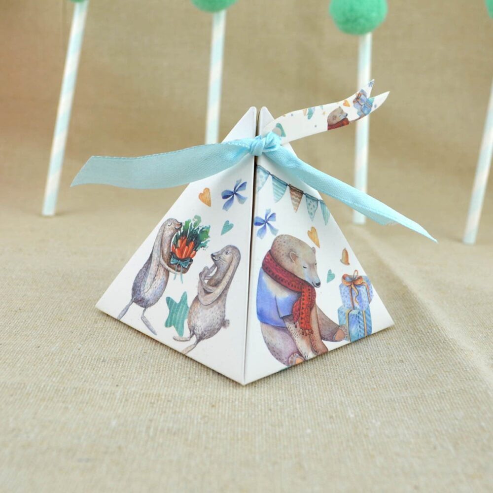 50Pcs, 100Pcs Winter Animals Triangular Gift Box With Vintage Wedding Candy Favors & Gifts Bag Party Decorations