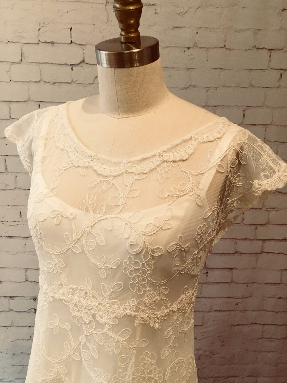 Lace Wedding Gown, Dress With Sleeves, Buttons Up Back & Train, Vintage Style, Boho Classic Simple Juliet Gown