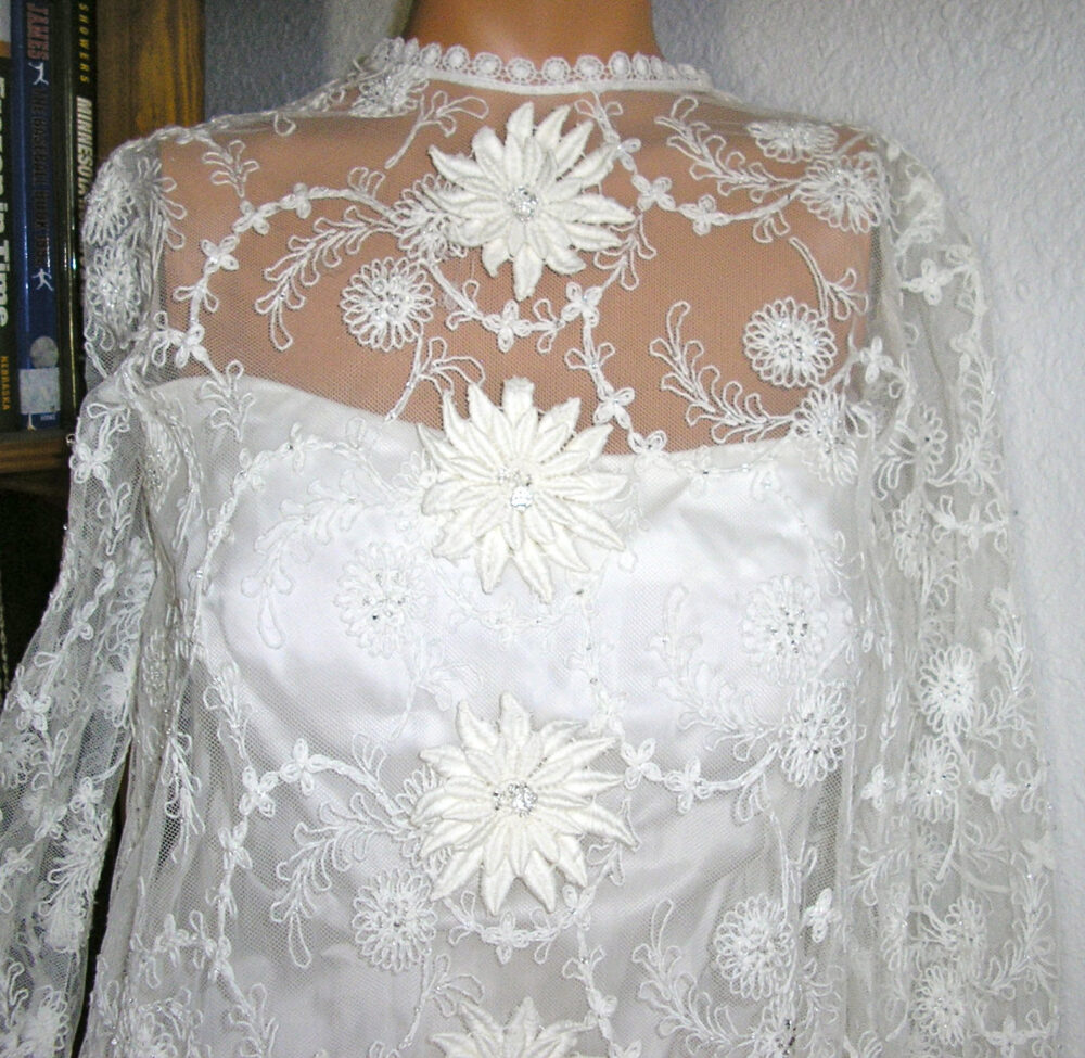 Sale Vintage 60S, Ultimate Boho Wedding Gown Dress, Size Small, Metal Zipper, Flowers, Embroidery, Crystals, Mint Condition