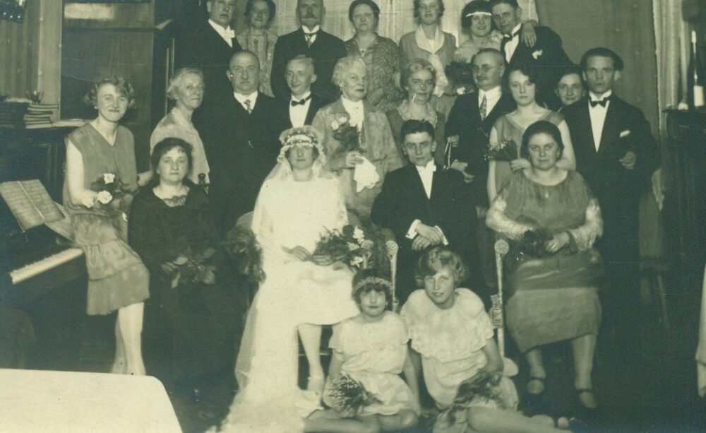 1927S German Wedding Photo Flapper Dresses Gown Family Postcard Vintage Black & White Photograph