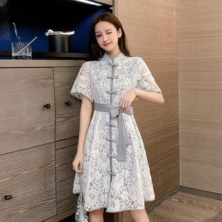 Short-Sleeve Frog Buttoned Floral Lace Dress