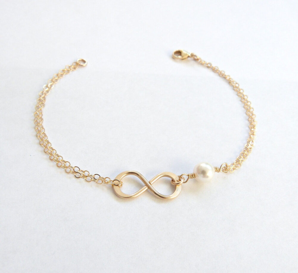 Gold Infinity Bracelet, Mother Of The Groom Gift, Bridesmaid Bracelet, Wedding Party, Pearl Bracelet