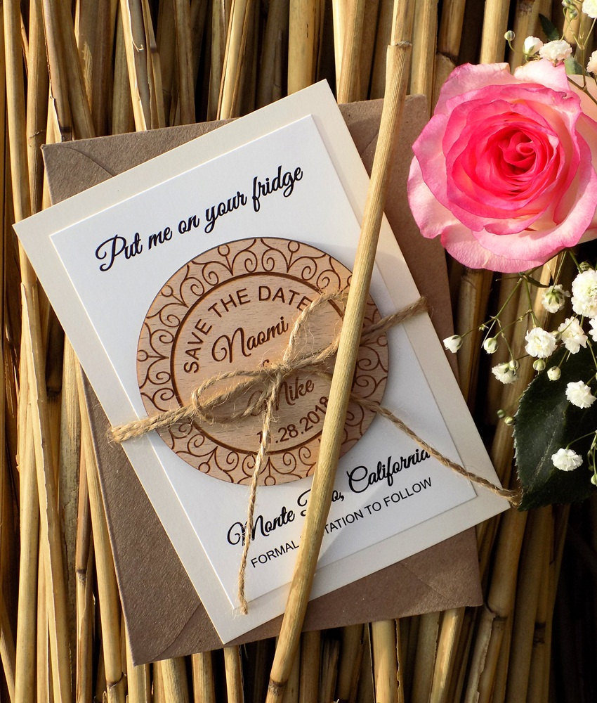 Circle Wood Save-The-Date Magnet, Custom Wooden Vintage Save The Date Magnet