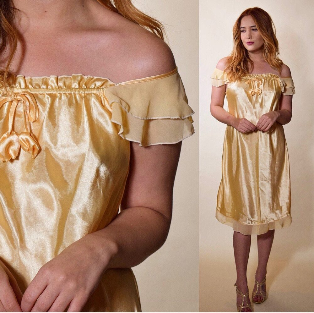 Vintage Gold Off The Shouldered Length Nightie Women's Size Small-Medium