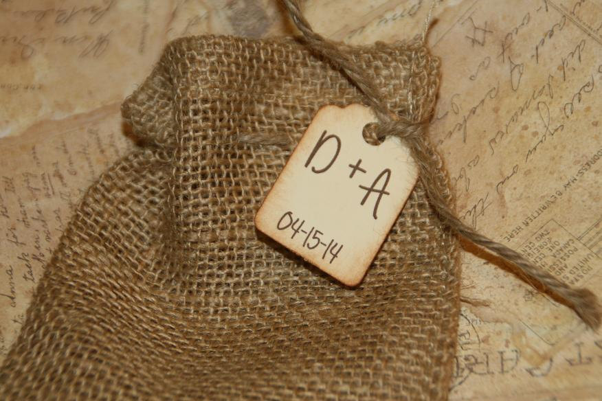 Burlap Bags Wedding Favor With Custom Tag, Wedding, Rustic Favors Bags, Initial & Date 4 X 6 100