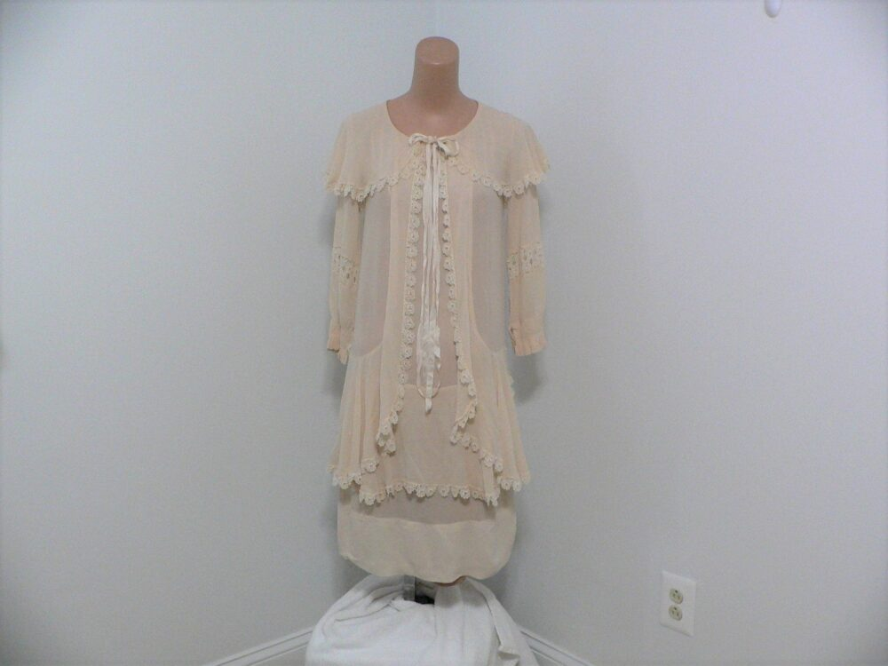 1920's Teen Girl's Or Xs Women's Beige Dress With Shawl Collar, Lace & Ribbon Trim