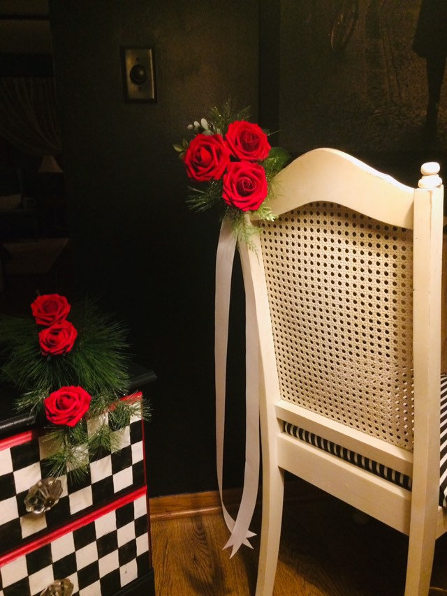 Winter Wedding Aisle Decor For Chairs Or Pews