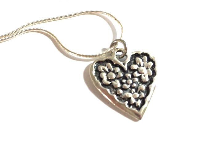 Silver Heart Necklace Pendant Flower Charm Love Anniversary Wedding Chain Romantic Old Fashioned Mom Friend Gift Metal Jewelry