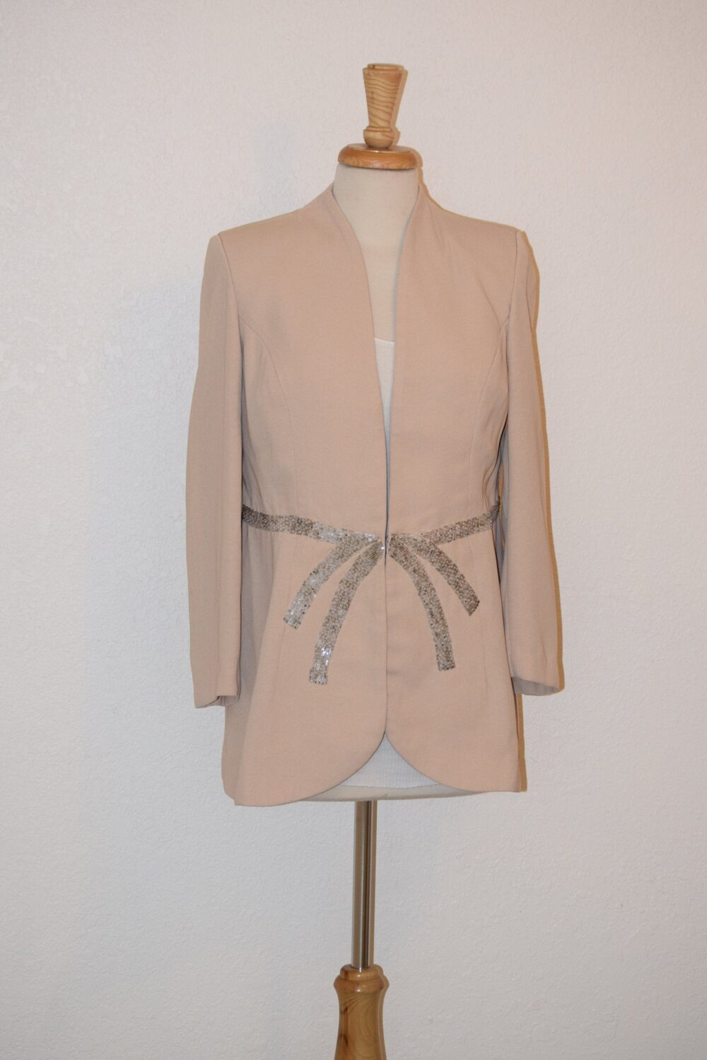 Beautiful Blush Crepe De Chine Fitted Jacket/Coat Blazer With Beaded Waist Detail Wedding /Tuxedo Style - Women's Medium