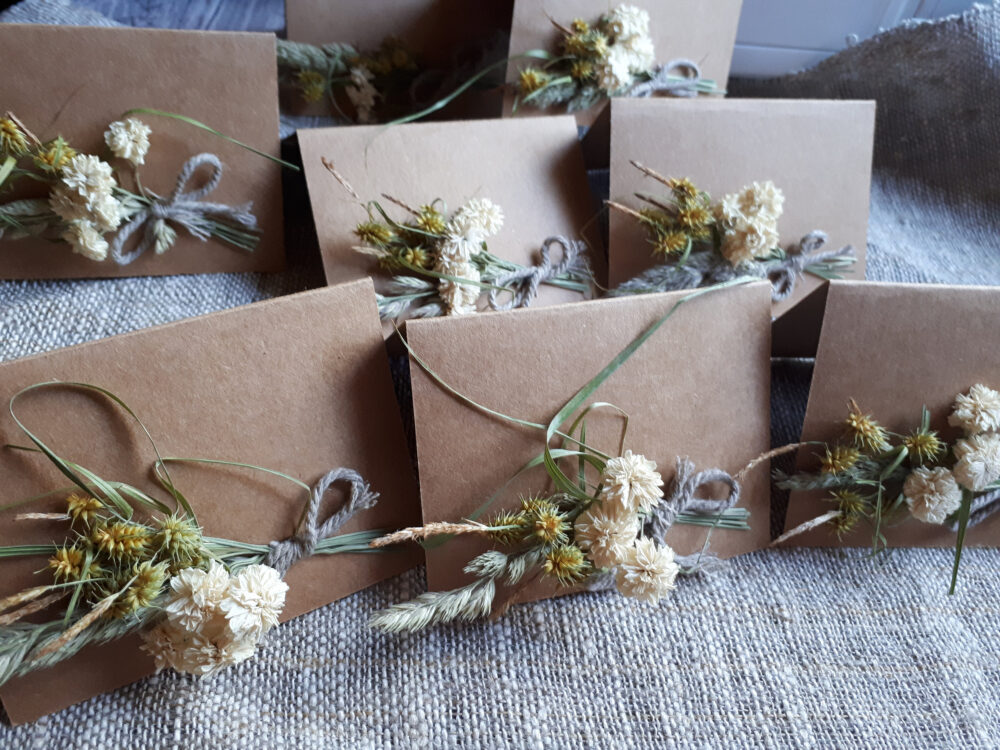 Rustic Place Cards, Set Of 10 Wedding Decor, Table Party Dried Flowers Cards