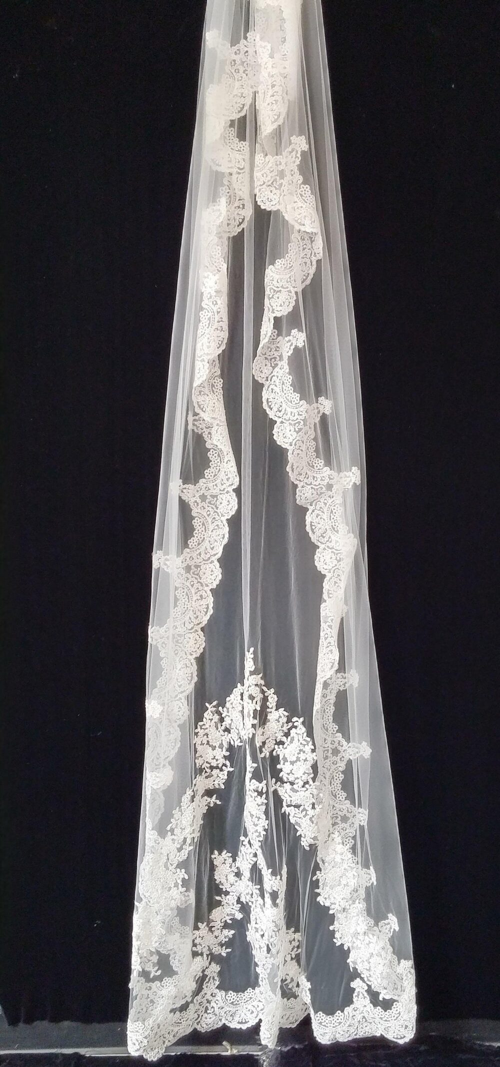 "One-Tier Wedding Veil/Veils With Appliques Lace Tulle Length 108"" ; Width 75"" Lace Trim From Top To Down"