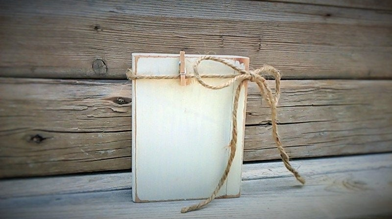 Rustic Wedding Favors, Picture Display, Country Wood Holder, Small Favors