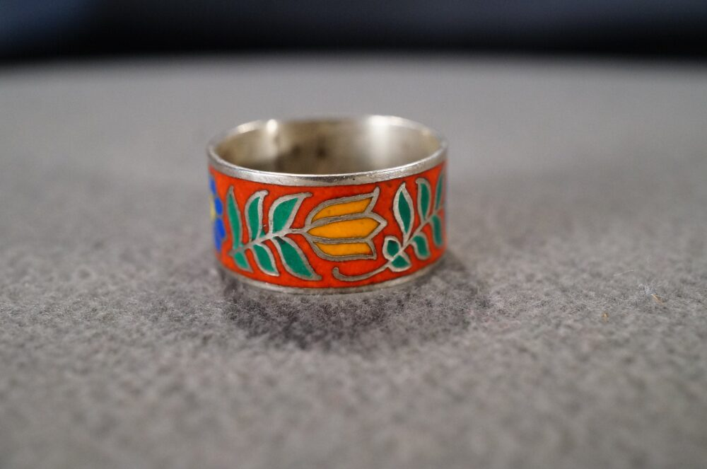 Vintage Sterling Silver Wedding Eternity Band Stacker Design Ring Fancy Multi Colored Enameling Floral Leaf Collectable Classic, 7
