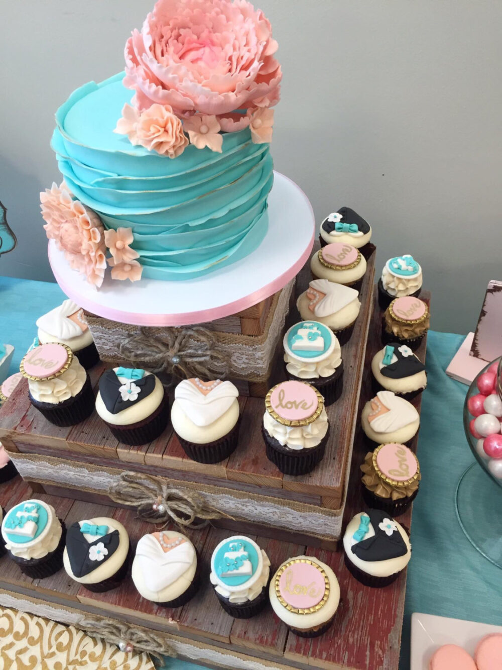 Rustic Cupcake Stand/Cake Wedding Decorations Table Centerpiece 3 Tier Holder Reception