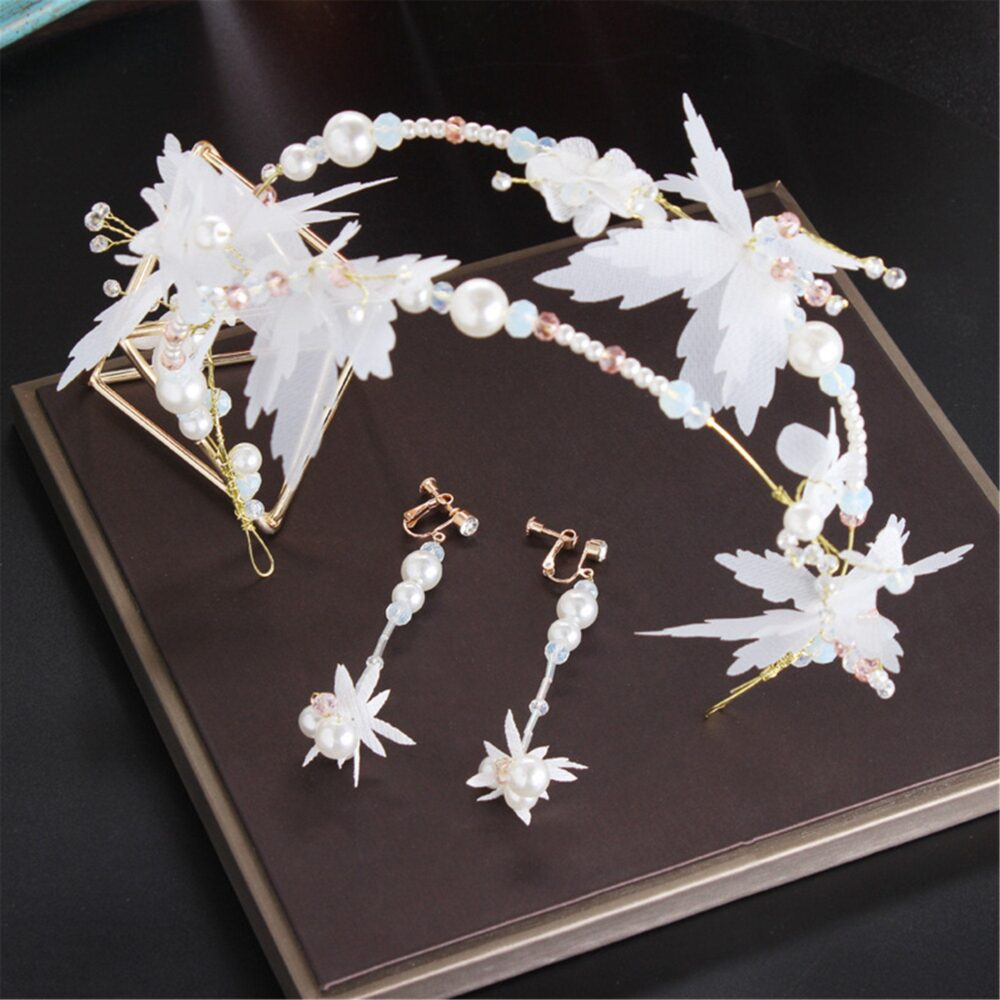 Floral Wedding Tiara White Accessory Pearl Bridal Hairdress Headpiece Haircomb With Pearls