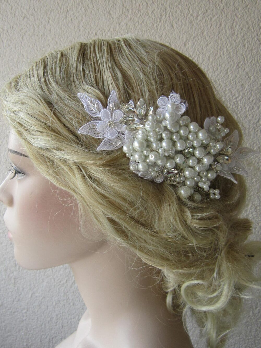 White Lace & White Pearl Wedding Comb, Headpiece, Veil Bridal Hair Comb