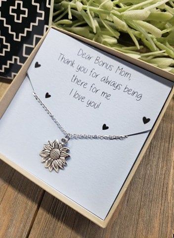 Bonus Mom Flower Necklace, Mother Jewelry, Gift For Her, Mother's Day Gift, Birthday Sweet Card, Step Mom, Child