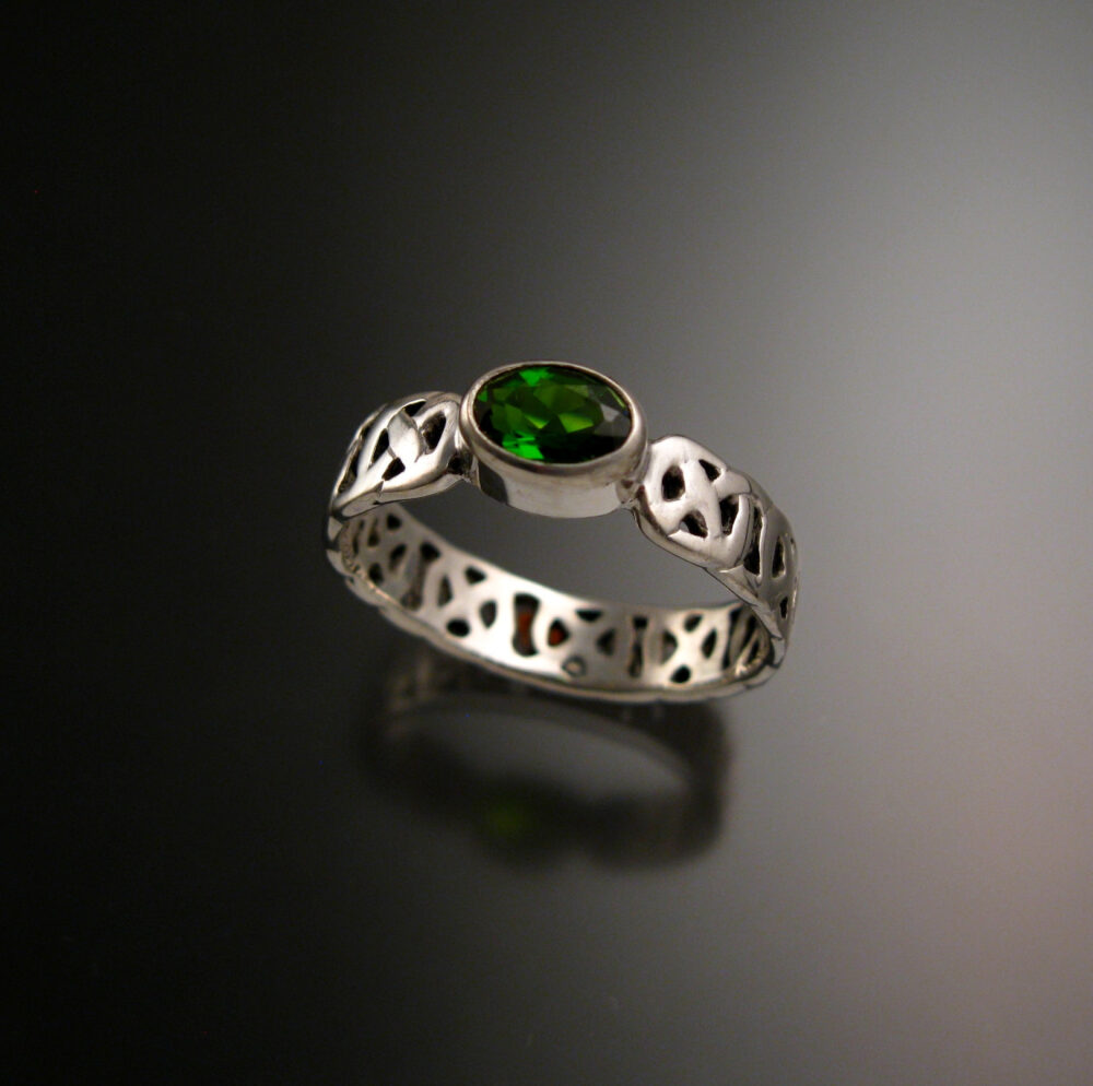 Chrome Diopside Celtic Band Wedding Ring Handcrafted in 14K White Gold Emerald Substitute Made To Order Your Size