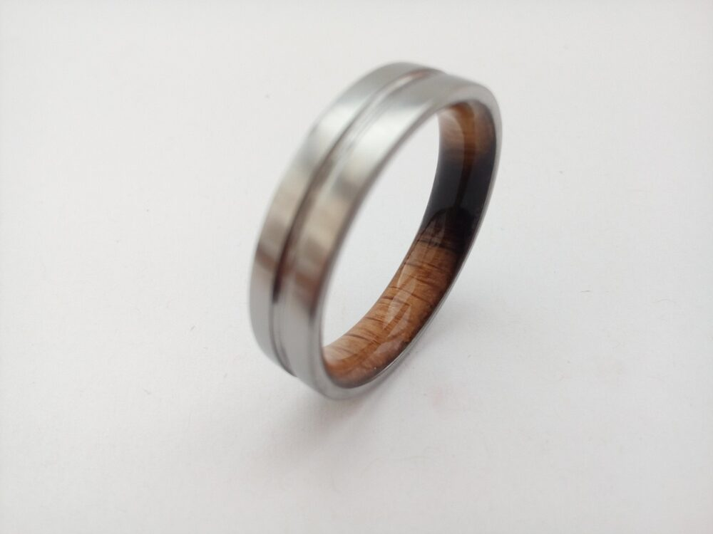 Mens Wedding Band, Titanium Ring, Whiskey Barrel Wood, Gift For Men, Square 6mm Ring Matte Finish, Wood Oak Wood