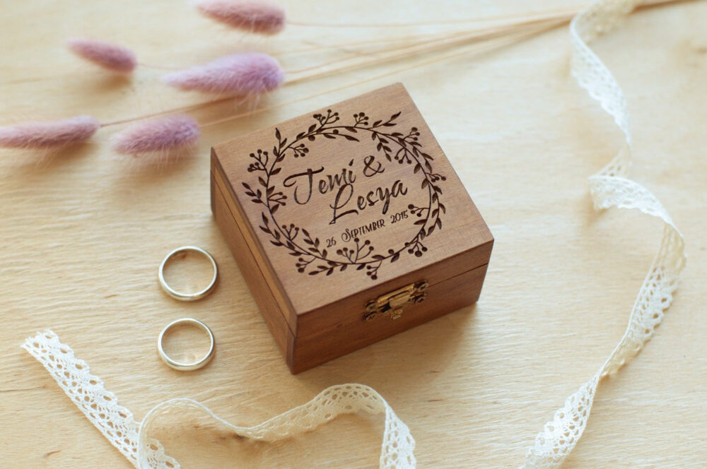 Rustic Wedding Ring Box/Wooden For Rings With Floral Vine Custom Ceremony Engraved Burlap Rolls