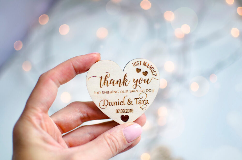 Thank You Wedding Favor Tags, Favors Magnet, Rustic Tags, Personalized Hearts Wood Tags, Wedding Gift Tags