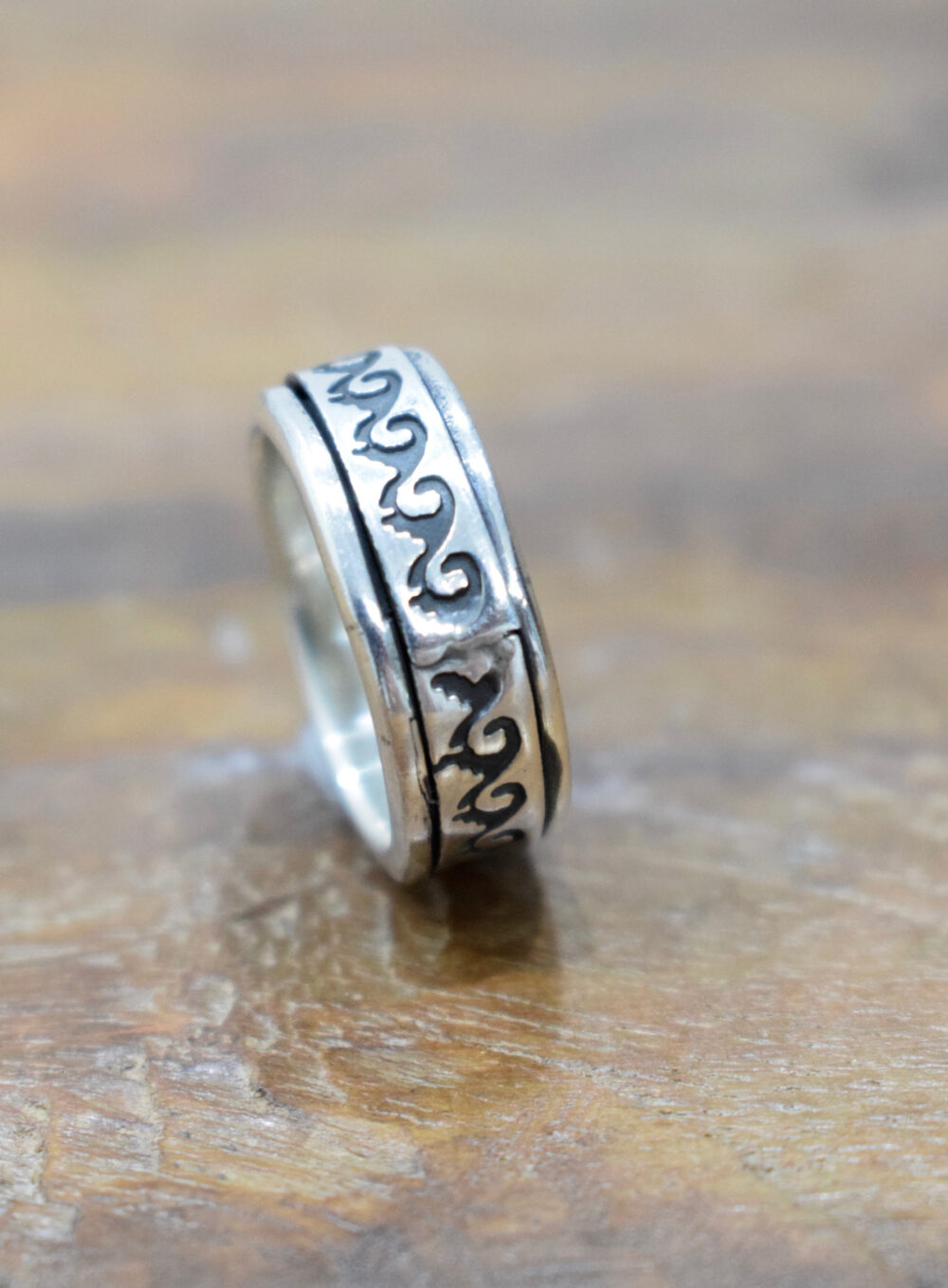 Ring Sterling Silver Etched Band Spinner