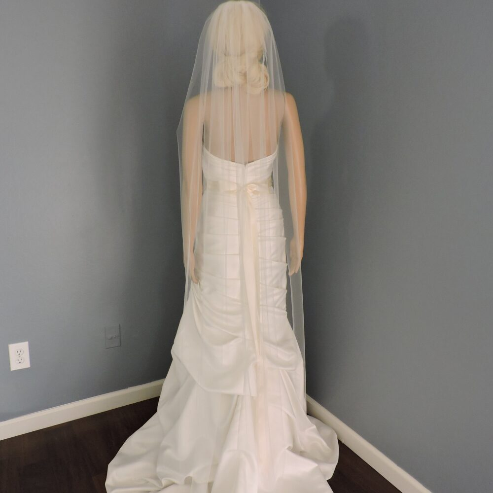 Wedding Veil Single Tier Cut Edge Standard Fullness, Bridal Stx70Ce