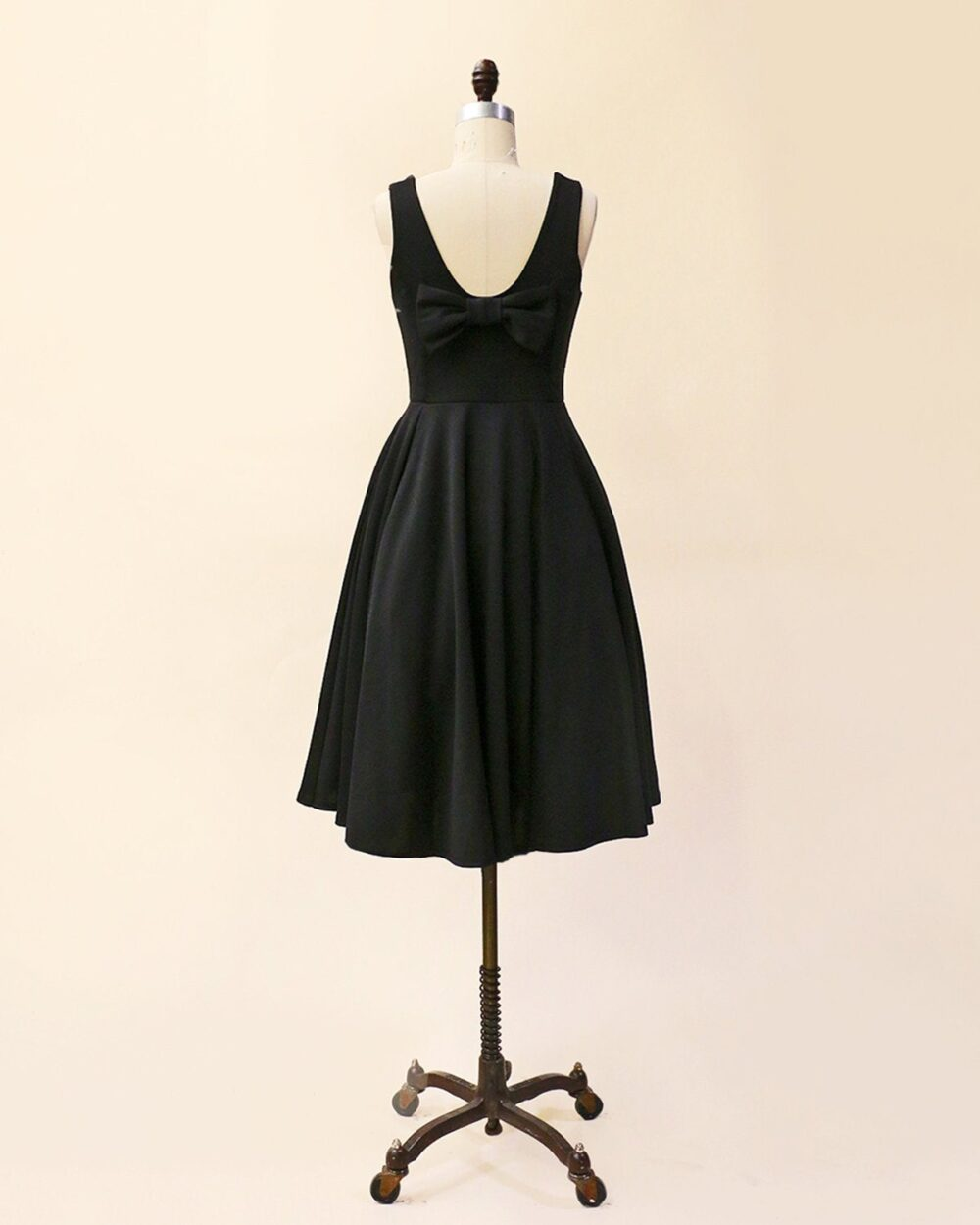 Cora | Black. Little Black Dress With Midi Circle Skirt. Scoop Neck Vintage Inspired Party Dress. Bridesmaid