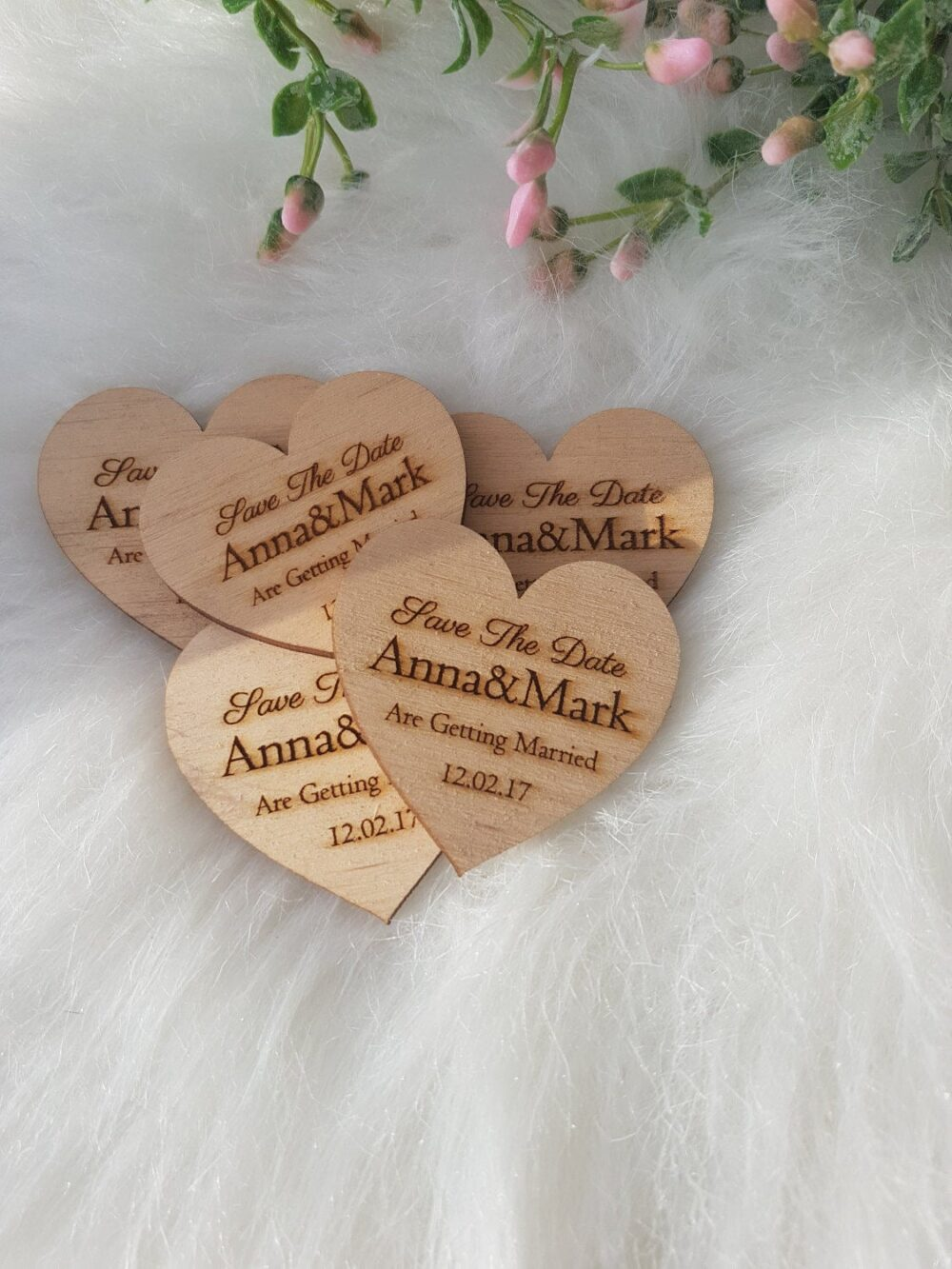 Wood Heart Wedding Save The Date - Rustic Hearts 5.5 cm
