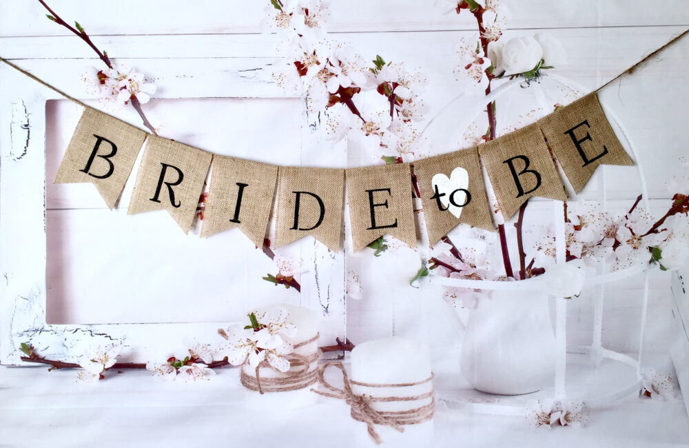 Wedding Banner Bride To Be, Burlap Banner, Rustic Style, Bridal Shower Banner Photo-Prop, Engaged Banner, Wedding Burlap Banner