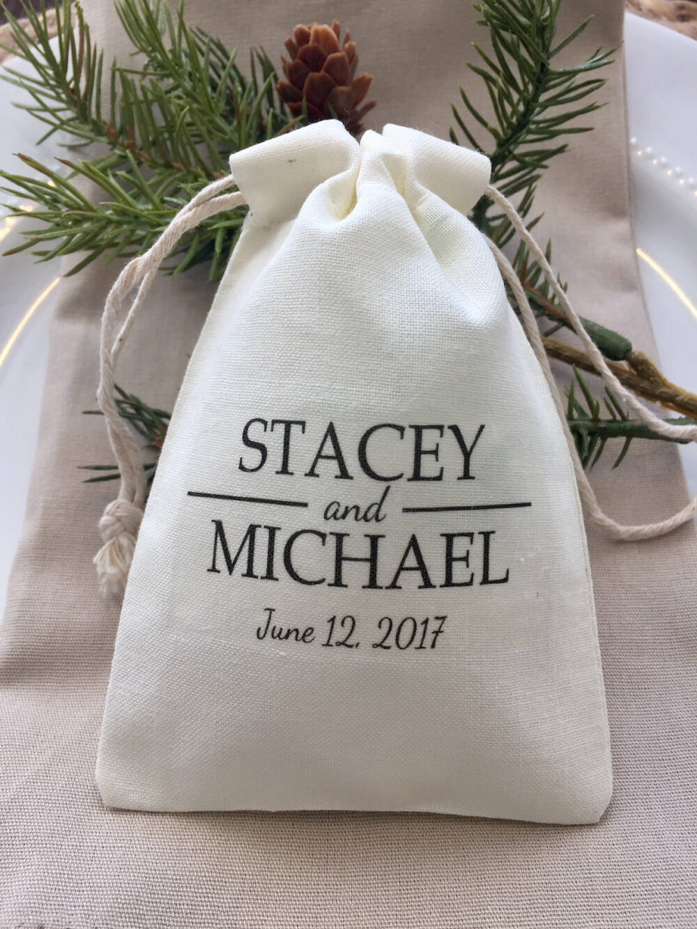 Set Of 10 Personalized Wedding Favor Bags With Bride & Groom Name Date - Custom Muslin Item 1025A