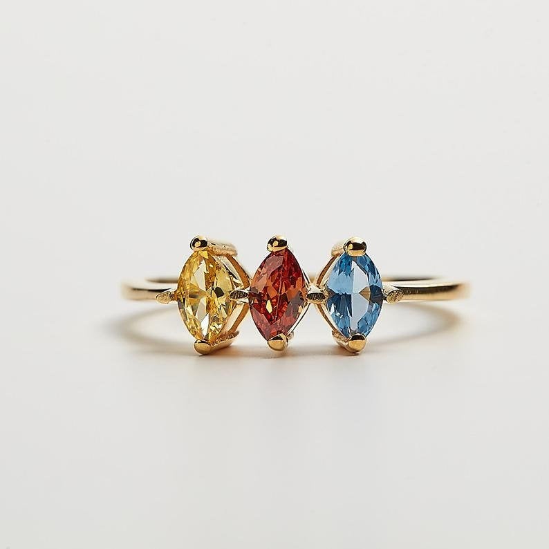 Family Birthstone Rings -Gold Personalized Dainty Ring - Diamond Emerald For Mom Jewelry