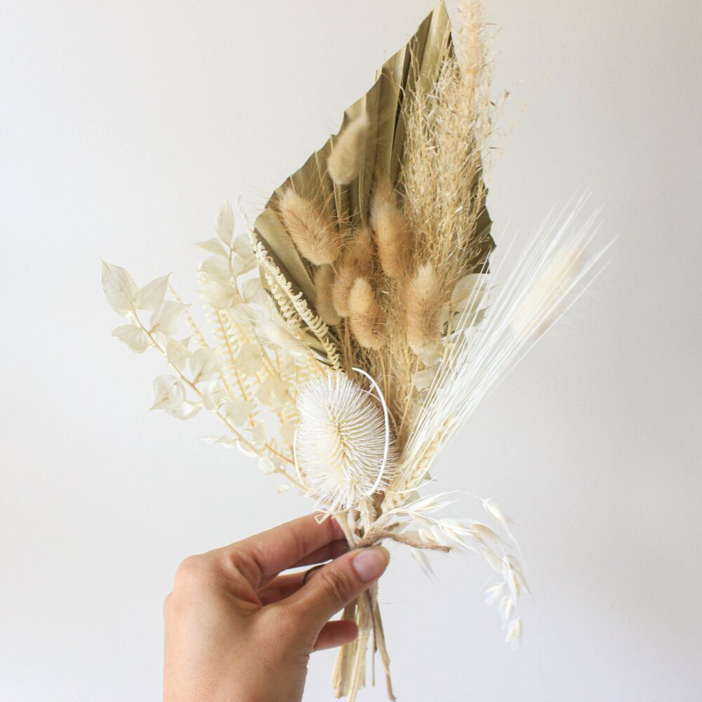 Pampas Grass Thistle Bouquet/Dried Palm Leaves Bunch Natural Preserved Muted Tone Arrangement Bud Vase Dry Flowers Mini Centerpieces