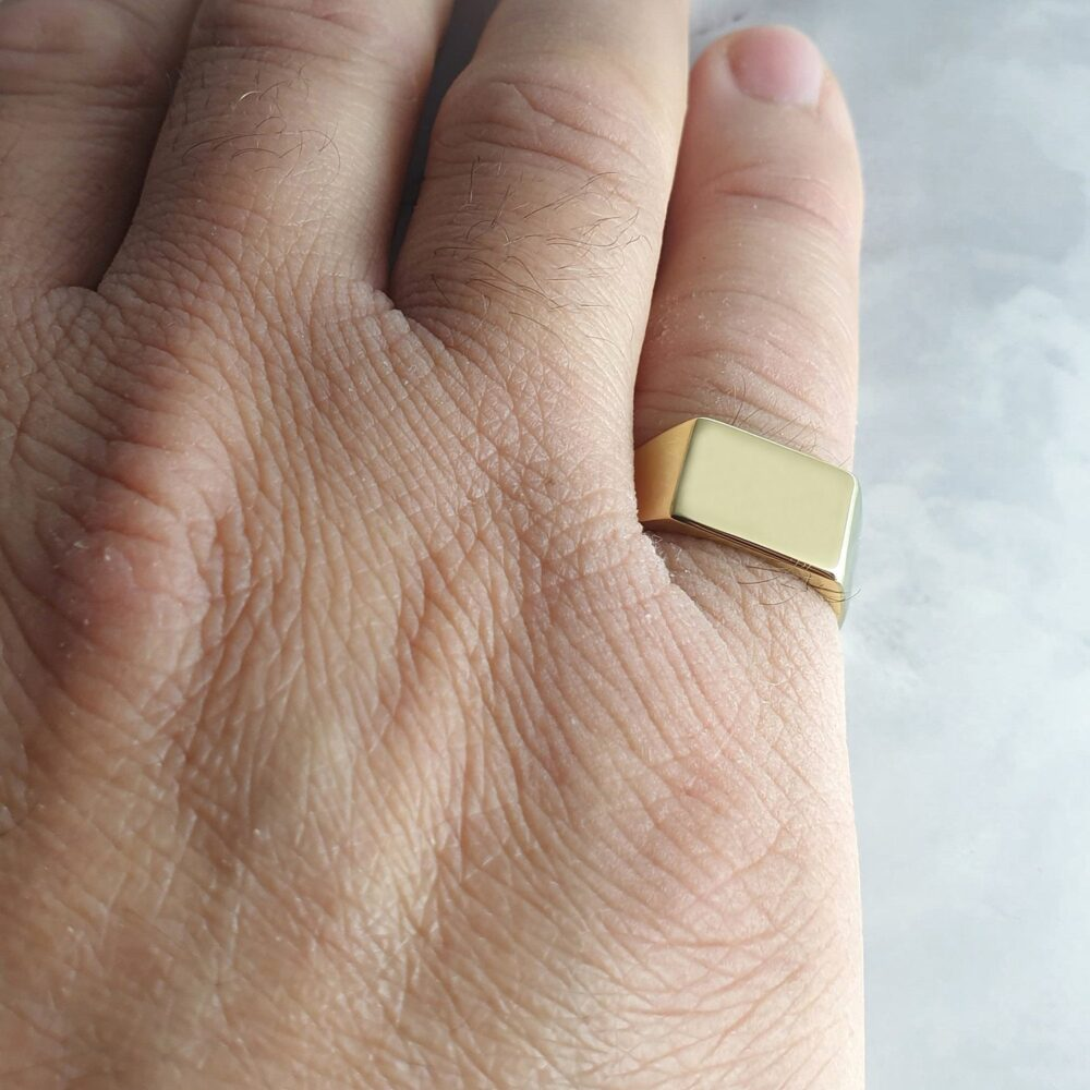 Men's Signet Ring Engraved With Initials, Custom Rectangle Ring, Personalized Men's Pinky in Gold Plated Or Sterling Silver
