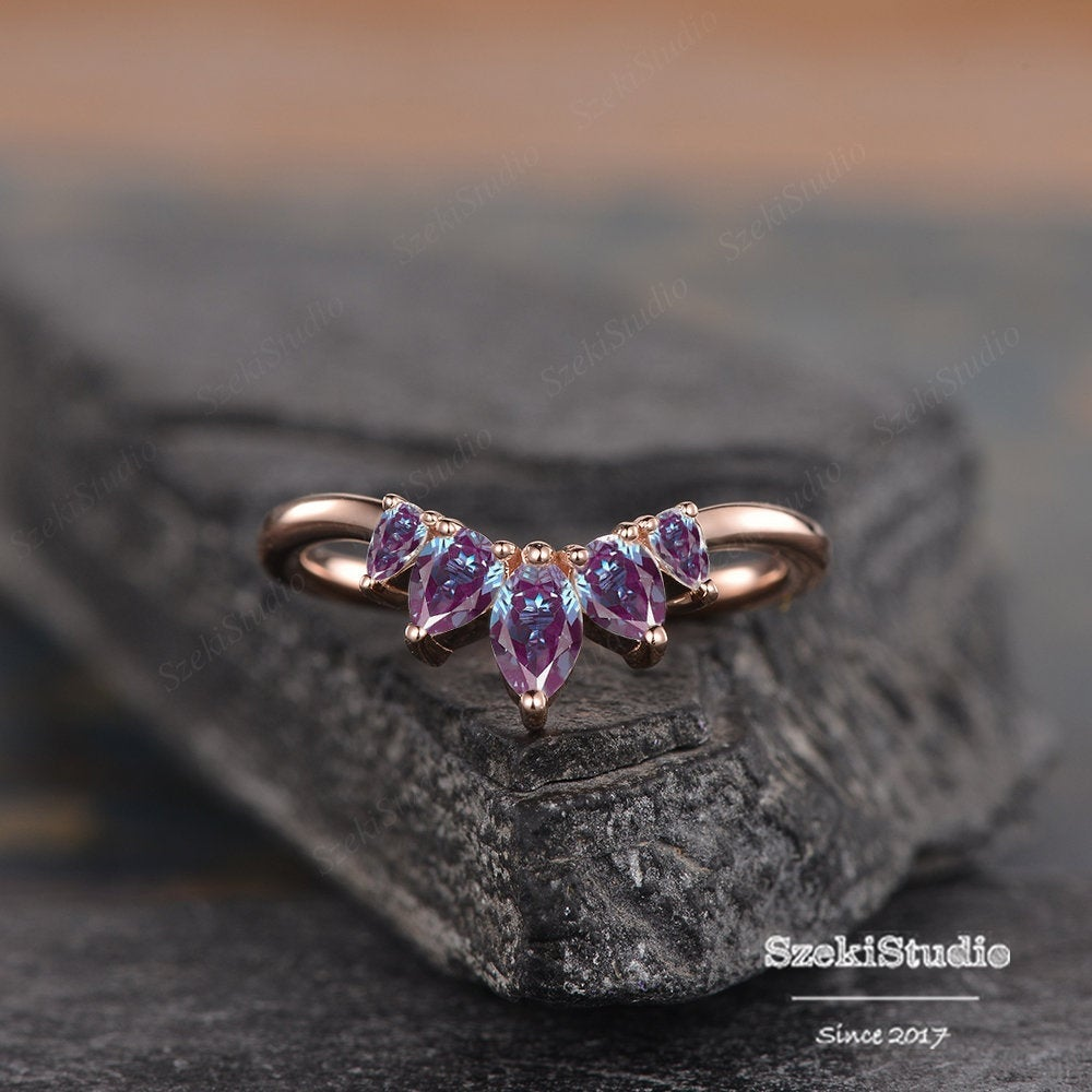 Vintage Alexandrite Wedding Band Rose Gold Band Unique Art Deco Bridal Ring Curved Wedding Promise Anniversary Gift Women